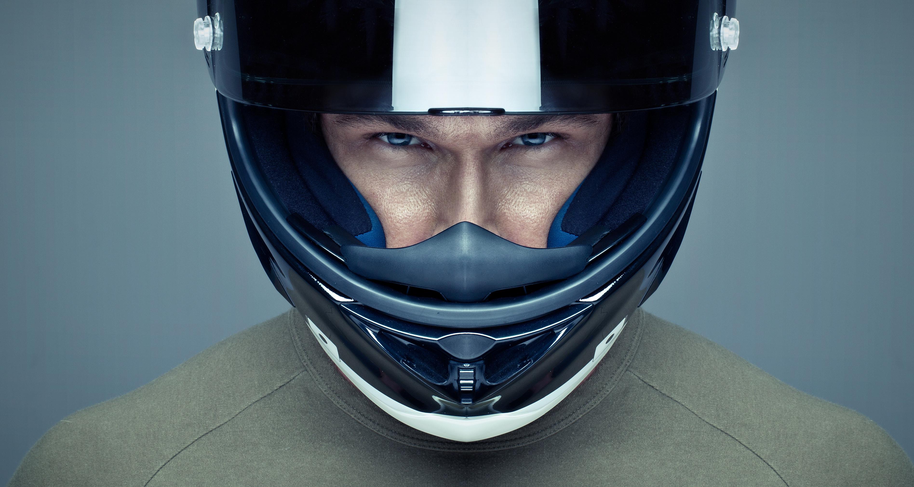 zoom-op-helm